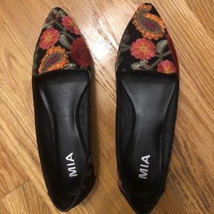 Mia flower embroidered flats